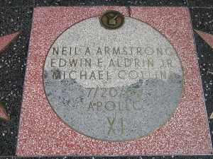 hollywood walk of fame moon
