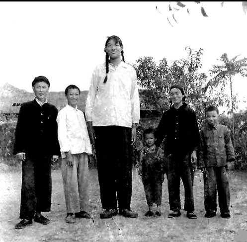 zeng jinlian Tallest Woman Ever